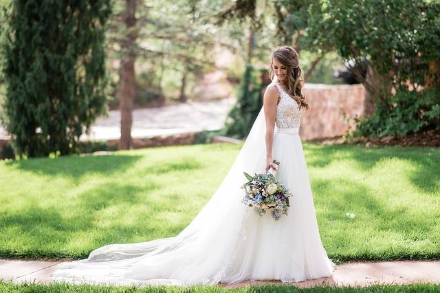 nevěsta v zahradě