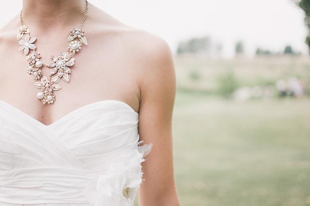 nevěstin šperk
